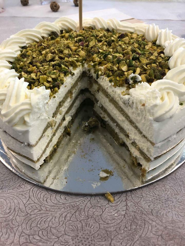 עוגת גבינה 3 שכבות פיסטוק שתעיף אתכם באויר .