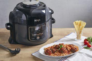 ספגטי וכדורי בשר ברוטב עגבניות