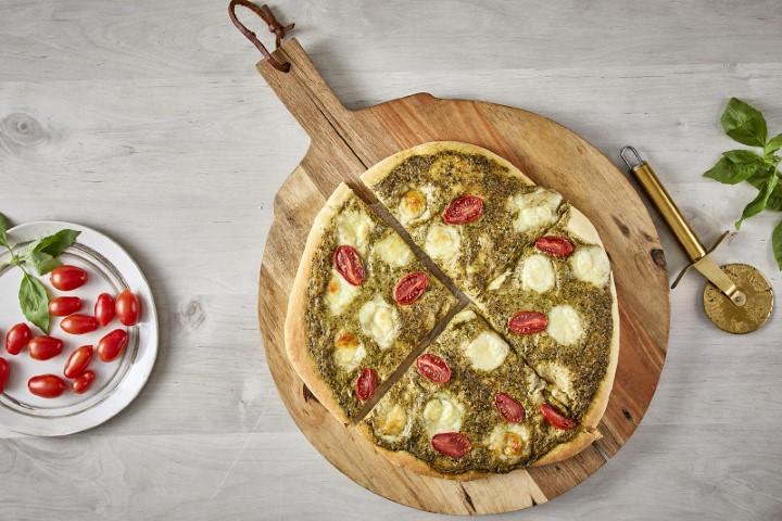 פיצה פסטו עם בייבי מוצרלה