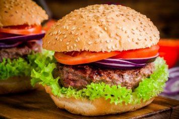 המבורגר קלאסי של שי-לי ליפא