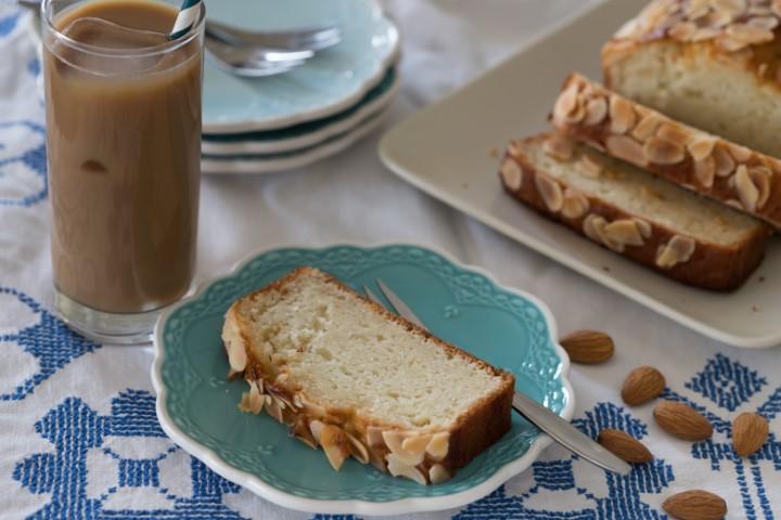 עוגת שקדים ויוגורט קלילה