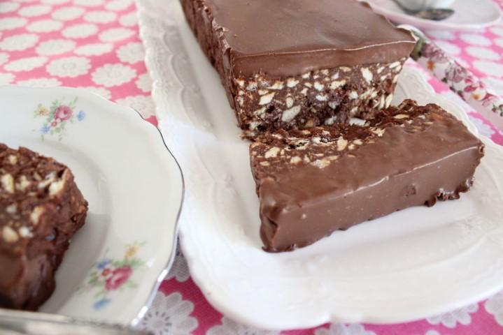 עוגת שוקולד וביסקוויטים