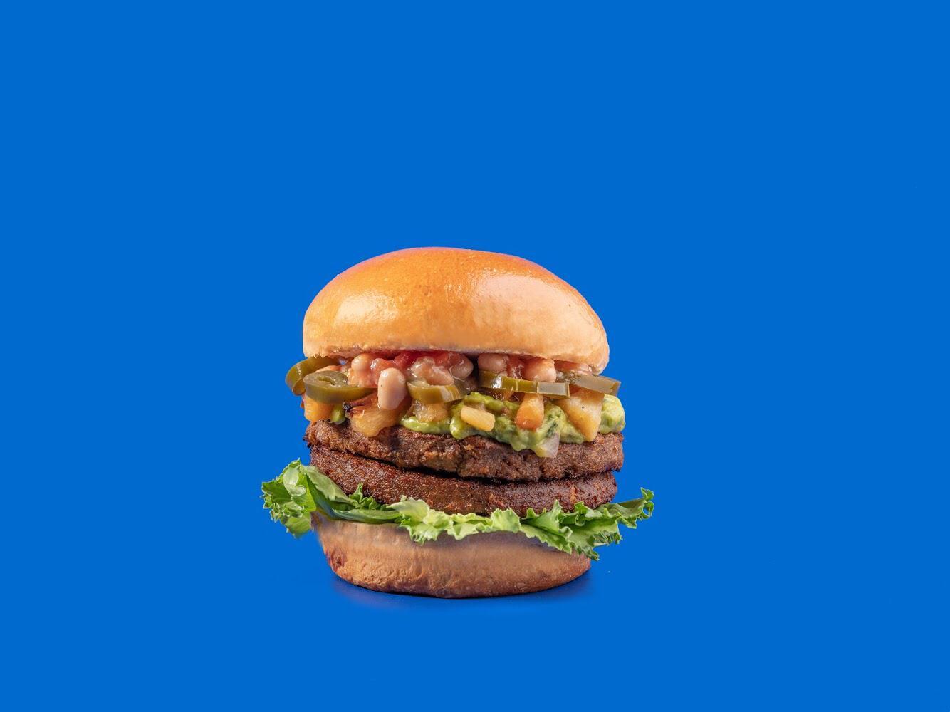 המבורגר טבעוני באנגוס. צילום: אנטולי מיכאלו