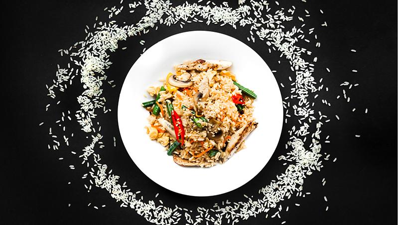 אורז עם שעועית ירוקה ופטריות