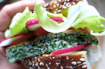 עיג'ה דשא ועיג'ה גבינה - מתכון שדורש סבלנות ואישה אמיצה