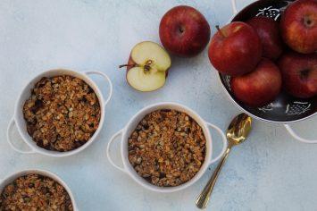 קראמבל תפוחים או מחווה לעוגת התפוחים הראשונה שהכנתי
