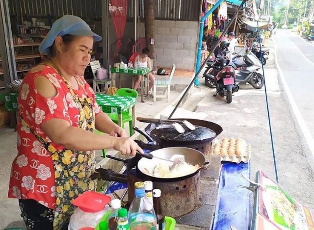 תאילנד אהובתי – גלויה מלאת צבע וטעם מבנגקוק. צילום: שי אייזנר