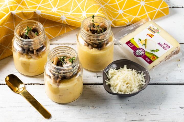 פולנטה עם גבינות ופטריות