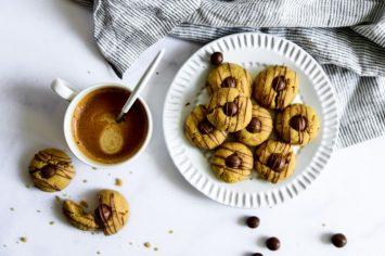 שילוב מושלם - עוגיות חמאת בוטנים עם שוקולד