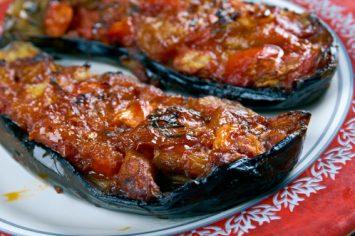 איילת מבשלת: חצילונים ממולאים בשר או להרשים מבלי להתאמץ