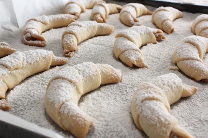 עוגיות בצק פריך במלית אגוזים עשירה