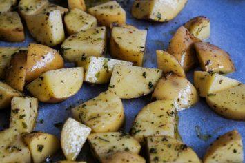תפוחי אדמה בתנור עם טפנד זיתים משגע