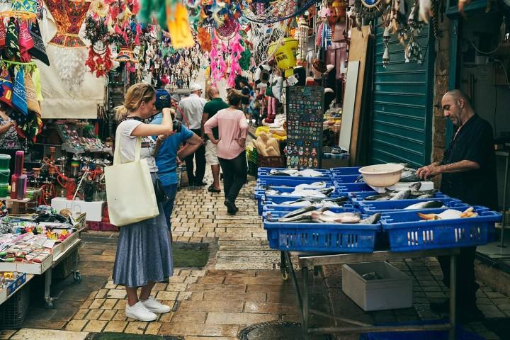 סיור קולינרי בשוק עכו. צילום: נורית פורן