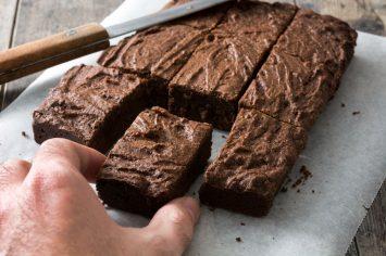 מה אוכלות בטטות כורסא? בראוניז שוקולד בטטה!