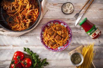 קל, מהיר וטעים: פסטה וכדורי בשר בסיר אחד