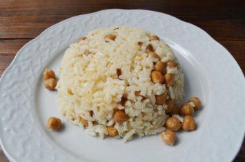 פשוט, בריא וקל: תבשיל אורז מלא עם גרגירי חומוס
