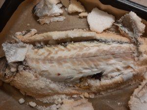 דג במלח וירקות צלויים. צילום: אלכס ויינר ולינוי רביבו