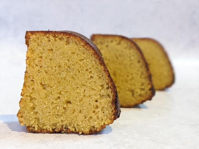 עוגת-גינגר-לימון-ודבש-(צילום: אסי-רוז)