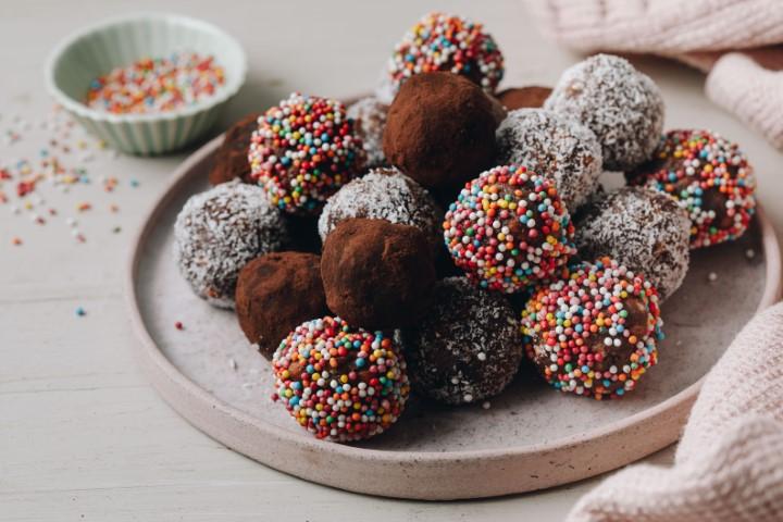 מתכון לכדורי שוקולד. צילום: שניר גואטה
