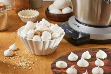 עוגיות מענגות לגדולים ולקטנים: מרנג עם אגוזים