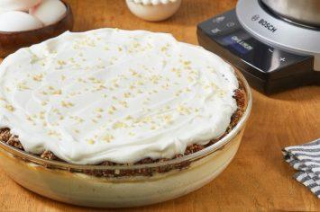 עוגה שהיא חגיגה: עוגת גבינה עם פירות יבשים ואגוזים