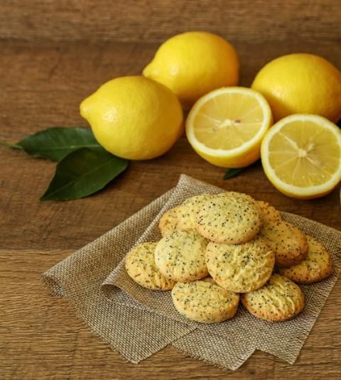 עוגיות לימון ופרג. צילום: שאטרסטוק