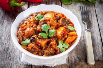 שי-לי בוחשת בקדירה: תבשיל קדירה של ירקות וטופו