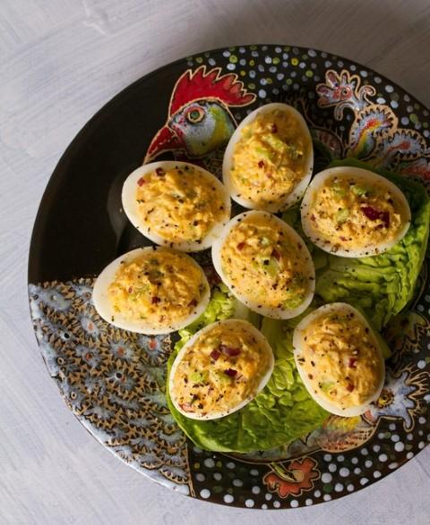 ביצים ממולאות (צילום: שאטרסטוק)