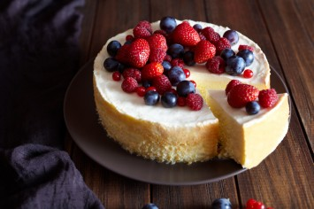 עוגת גבינה ושוקולד לבן של רביבה וסיליה