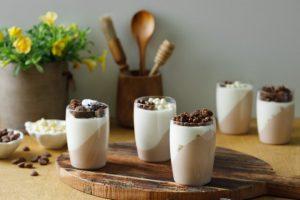כוסיות אישיות של מוס שוקולד (צילום: שניר גוואטה)
