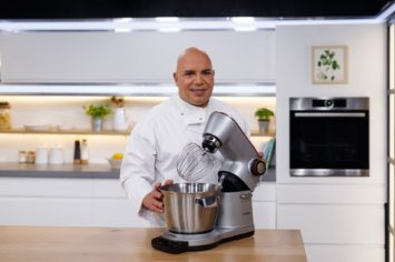 טכניקות האפייה של מיקי שמו: המדריך להכנת העוגה הבחושה המושלמת
