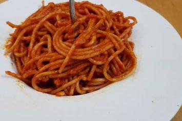 מלי מאירוב נותנת לכם אישור להתעצל עם ספגטי לעצלנים טעים טעים!
