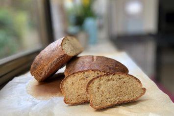 מי מביא את החמאה? לחם כוסמין של אופירה מור