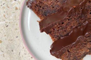 עוגת שוקולד בחושה כשרה לפסח שתרצו להכין כל השנה