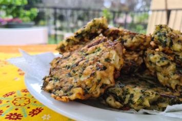 בורמליקוס של משקיענים - לביבות מצה בולגריות עם גבינה ותרד