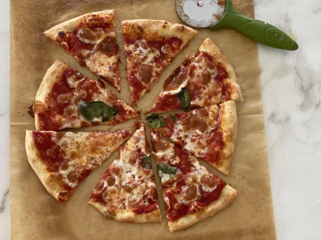 פיצה ביתית ללא מיקסר. צילום: נטע לויה