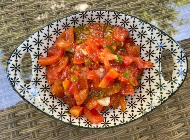 סלט עגבניות שרופות. צילום: אופירה מור