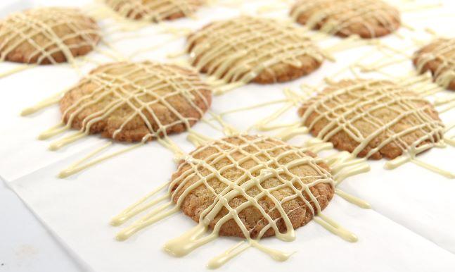 עוגיות תפוזים ושוקולד לבן. צילום: אייל רווח