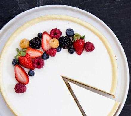 עוגת גבינה ושוקולד לבן. צילום: אתר טרה