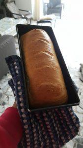 אופים את הלחם 30 דקות או עד שהוא שחום. צילום: ריקי ריקה ביטון