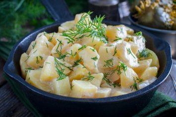 סלט תפוחי אדמה עם שמנת חמוצה ו... מי צריך מדורה?!