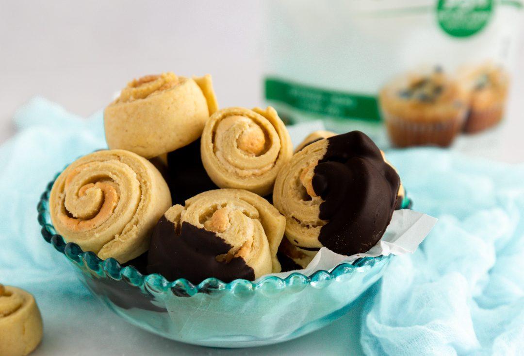 עוגיות שושנים טרוביה. צילום: נטלי לוין