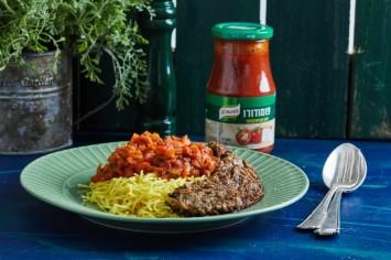 האקדמיה של קנור: קציצות ירק ברוטב עגבניות פומודורו ואטריות דקיקות