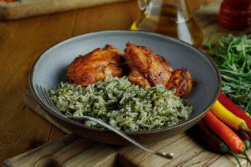 פרגיות ואורז ירוק שמכינים במיקרוגל