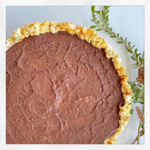 עוגת מוס פופקורן. צילום: יהודה עמר