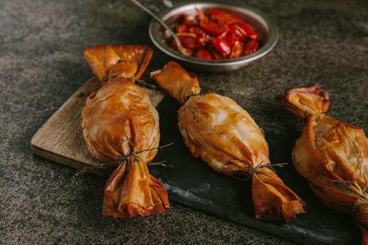סוכריות דג במעטפת פילו. צילום: טל סיון-ציפורין