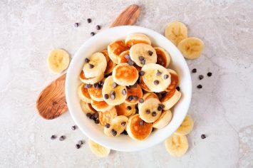מיני פנקייקים חצופים לארוחת בוקר מושלמת