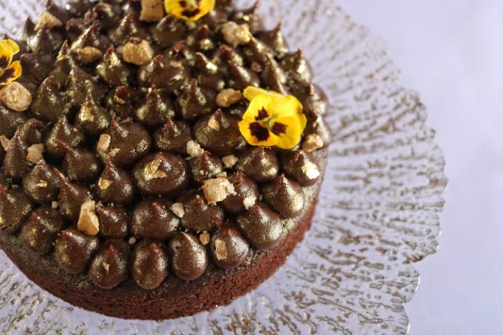 עוגת שוקולד טחינה. צילום: אייל רווח