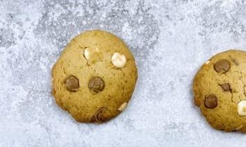 עוגיות שוקולד צ'יפס פריכות עם פחות רגשות אשם