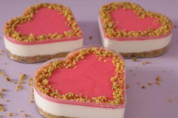 קופסת הפתעה מתוקה: עוגת מסקרפונה מלבי